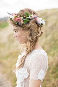 Couronne de fleurs - Photo : Polkadotbride.com